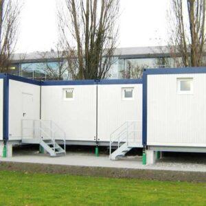 WC-Container und Vereinsräume