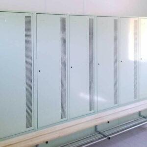 Umkleidekabinen im Vereinsheime-Container