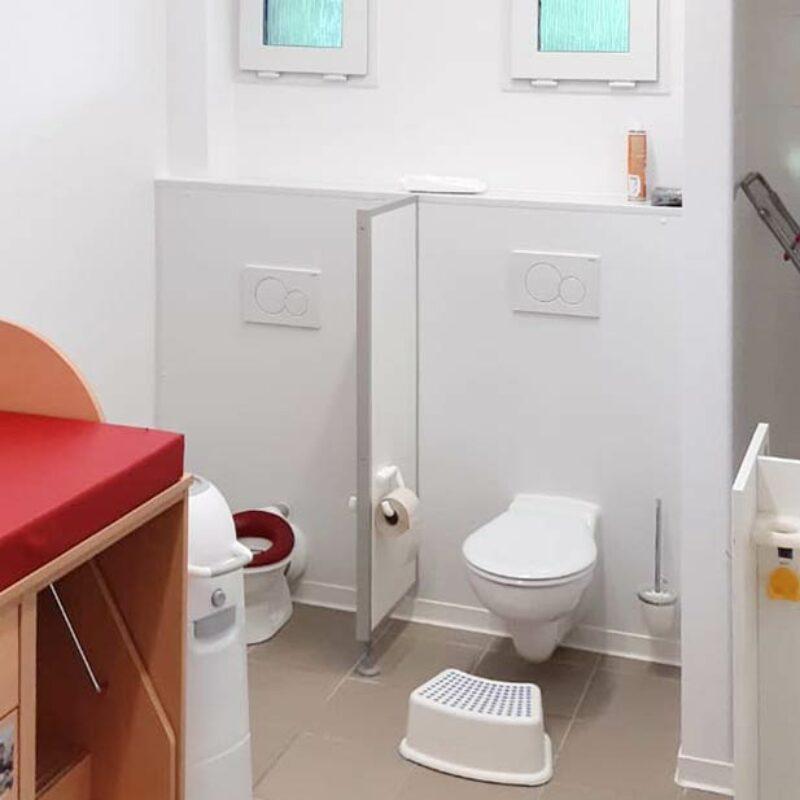 Kindergartencontainer WC-Bereich